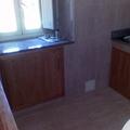 Puertas integradas en cocina de obra