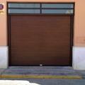 puertas seccionales imitacion madera nogal