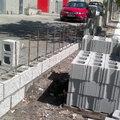 Reconstrucción pared de bloque hormigón.