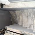 reforma de escaleras interiores y revestidas en marmol