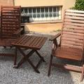 Barnizado de muebles de jardín.