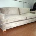 sofa brazos cuadrados con orejas
