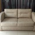 Sofa cama tapizado restaurado.