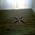 Suelo de roble incluida una estrella con puertas lacadas