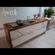 Cocina con encimera de madera.