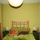 pintura lisa con muebles embejecidos