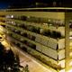 Panorámica nocturna del bloque de viviendas Tabaya mirador 1