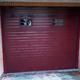 puerta seccional roja