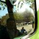 Renovación de ventana de automovil con graffiti. San Pedro