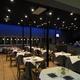 Restaurante iluminado con LEDs
