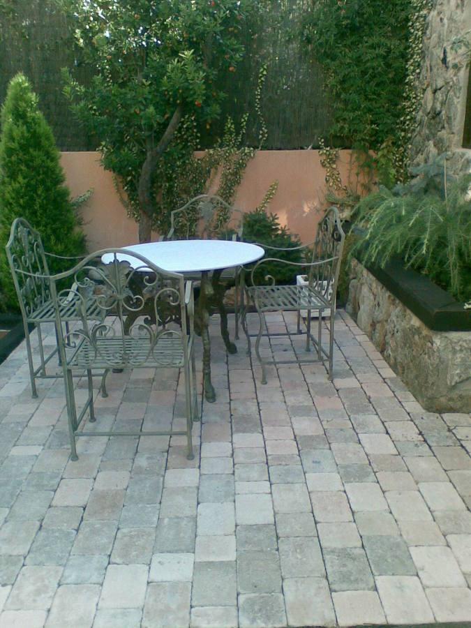 Foto colocaci n de adoquines para senador del jardin de for Adoquines para jardin