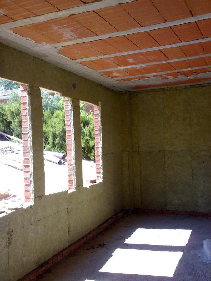 Foto aislamiento termico lana de roca vista terminada de - Lana de roca aislante termico ...