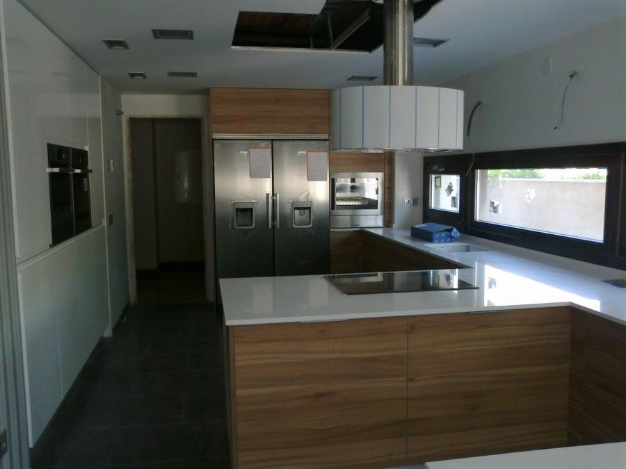 Foto cocina con pen nsula de deprococinas 954833 habitissimo - Cocinas con peninsula ...