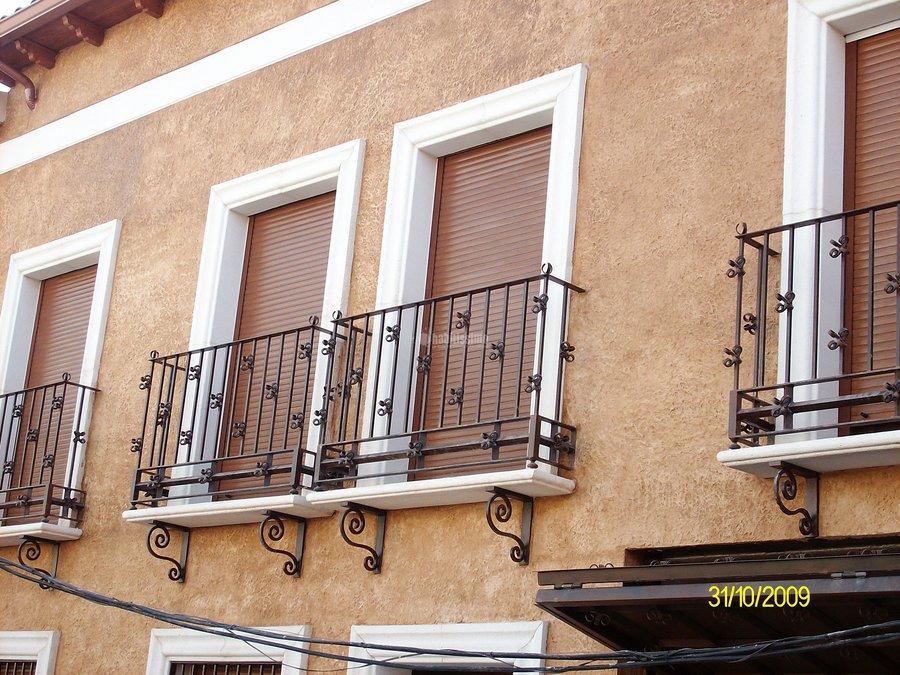 Foto rehabilitaci n fachadas construcciones reformas for Zarosan construcciones y reformas sl
