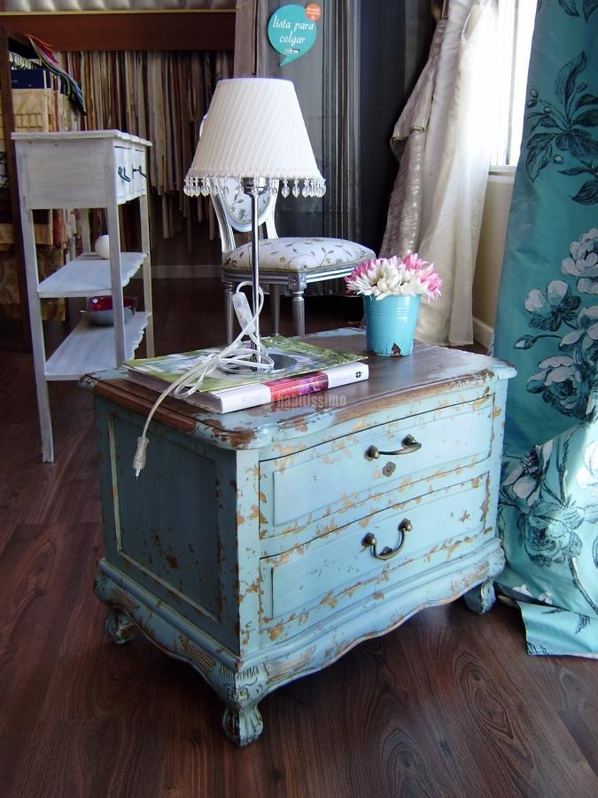 Foto cortinas muebles tapizados papel pintado de textil for Papel pintado para muebles