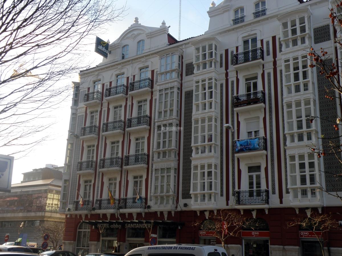 Foto rehabilitaci n fachadas tejados decoraci n de for Tejados y fachadas vizcaya