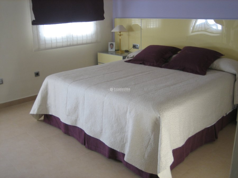 Foto textil muebles auxiliares decoraci n de lienzo de for Lienzo delos gazules telas
