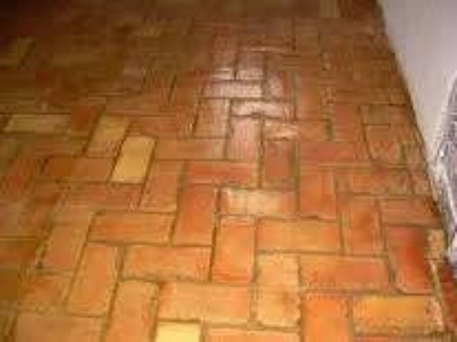 Foto suelo r stico en salon comedor interior de - Suelos de ceramica rusticos ...