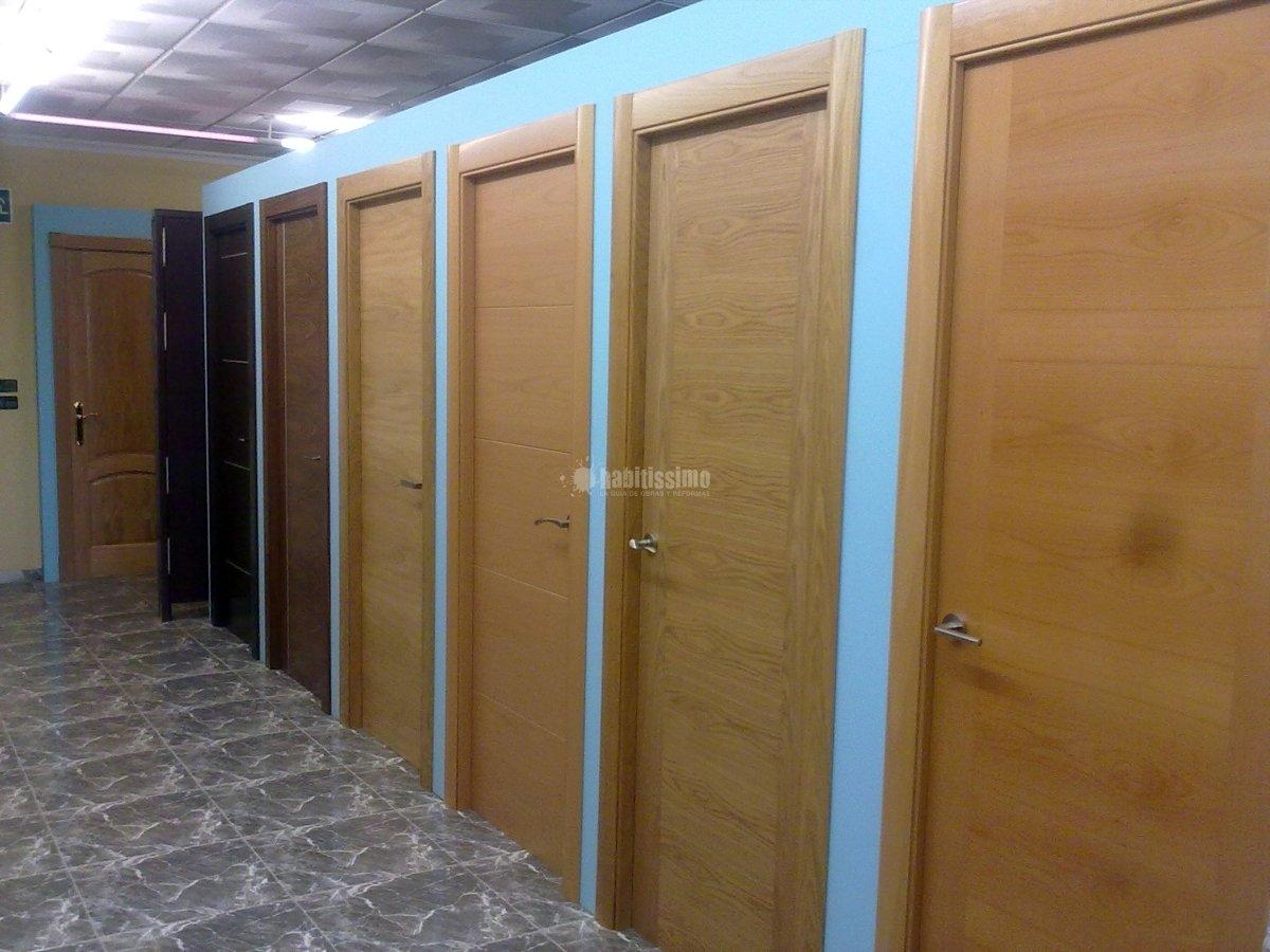Foto puertas de interior modernas de dise o for Puertas vaiven modernas