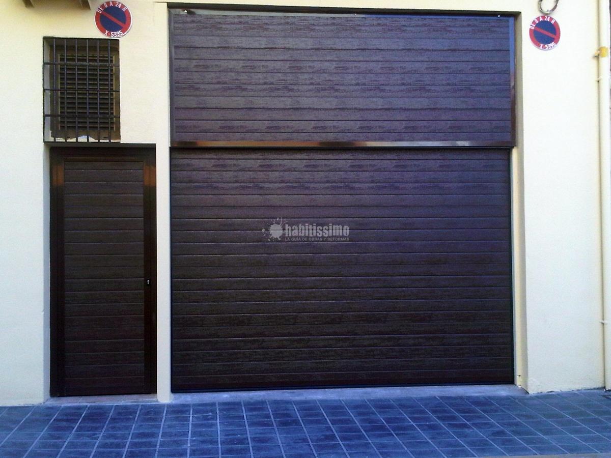 Foto puertas garaje carpinter a met lica obras menores for Puerta garaje metalica