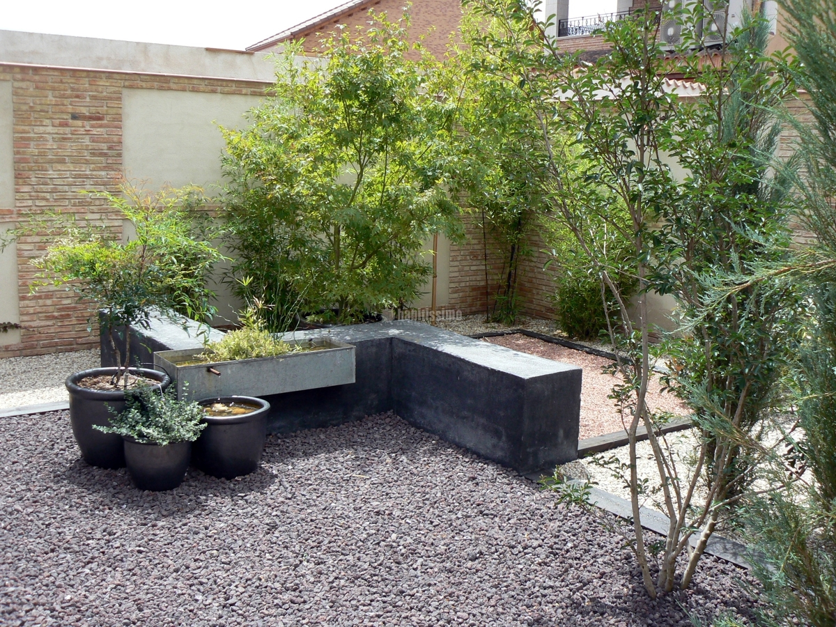 Foto jardin de bajo mantenimiento de azarbe jardines - Jardin bajo mantenimiento ...