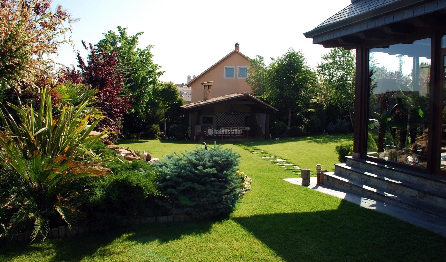 Foto mantenimiento de jardines de piscijardin s l 83259 for Mantenimiento de jardines
