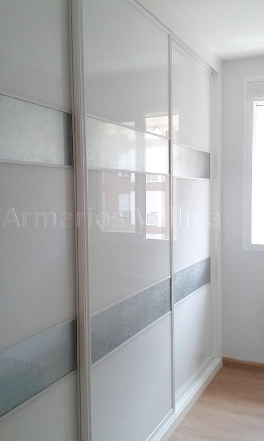 Foto armario empotrado tres puertas correderas de - Puertas correderas armario empotrado ...