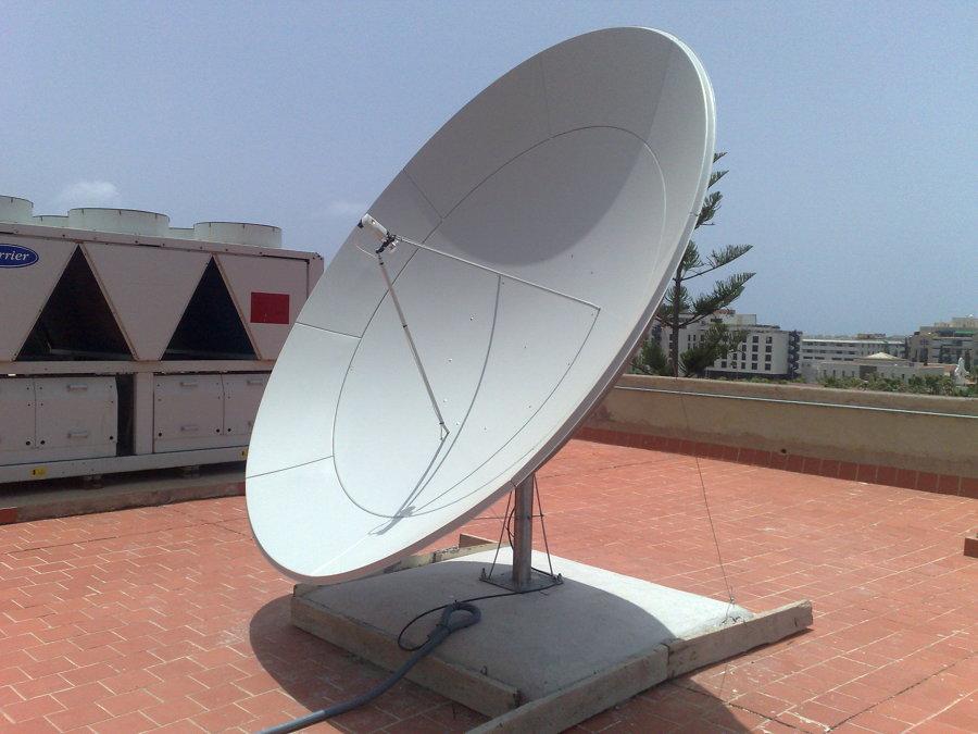 Instalación de antenas parabólicas para cualquier satélite (canales extranjeros)
