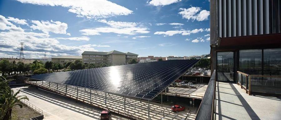 Pérgola solar fotovoltaica para la Universidad de Murcia