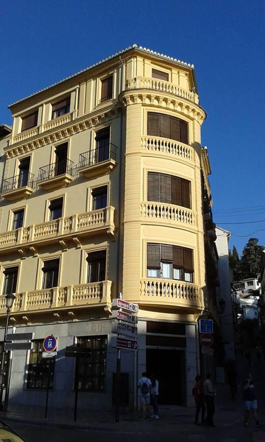Rehabilitación de fachada histórica.