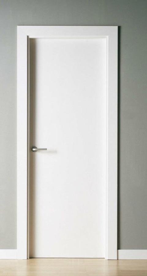 Foto puerta lisa blanca de armairu jaunak 1072132 for Puertas blancas lisas interior