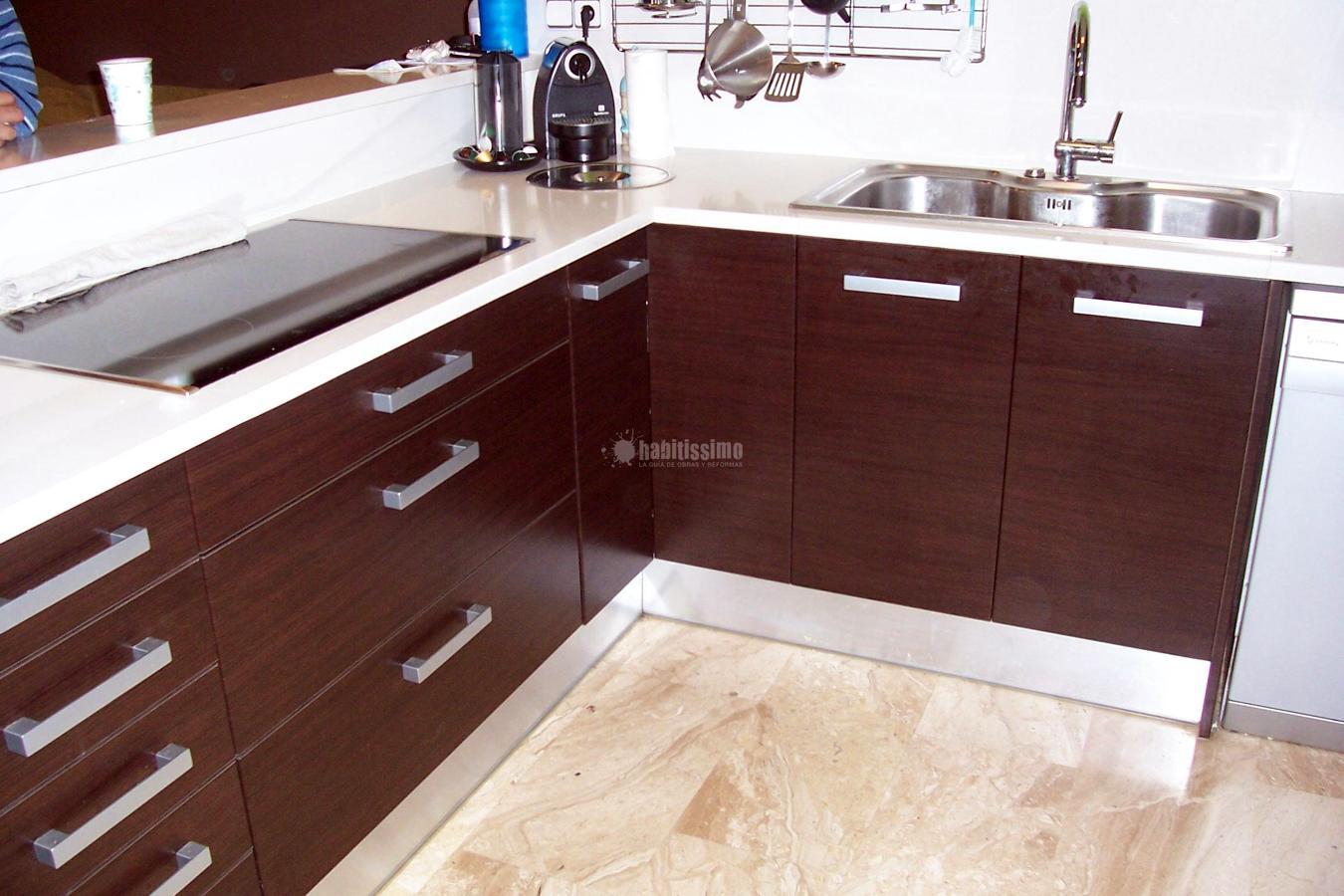 Foto muebles cocina puertas interiorismo fabricantes for Muebles alvarez