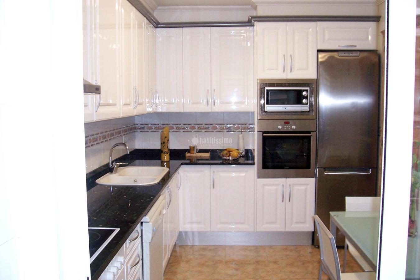 Foto: Muebles Cocina, Puertas Interiorismo, Fabricantes Cocinas de Carpinterí...