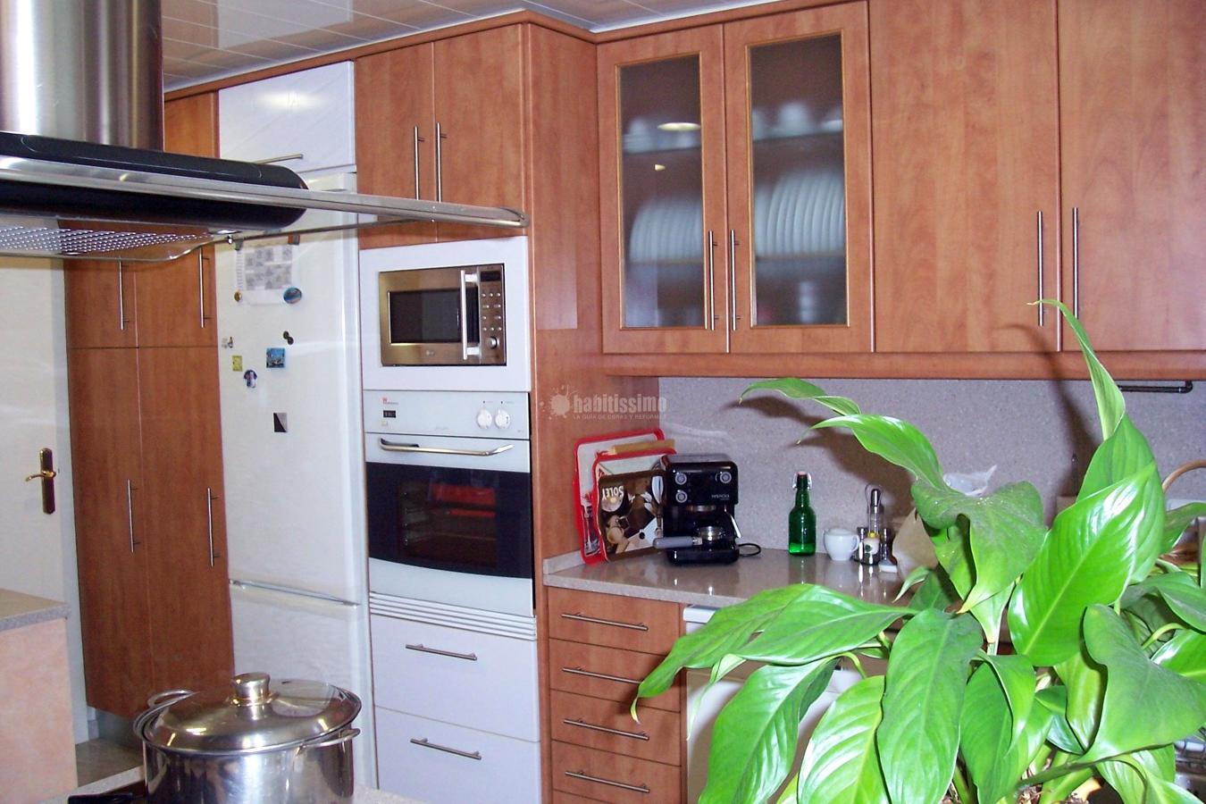 Foto muebles cocina decoraci n armarios medida de for Muebles alvarez