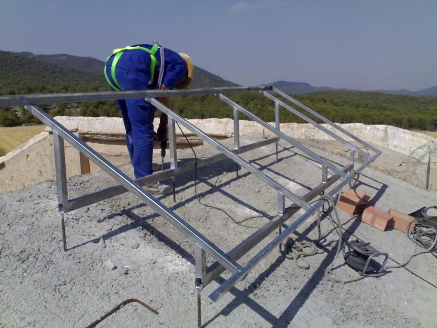 Foto Montage De Estructuras Para Paneles Solares De