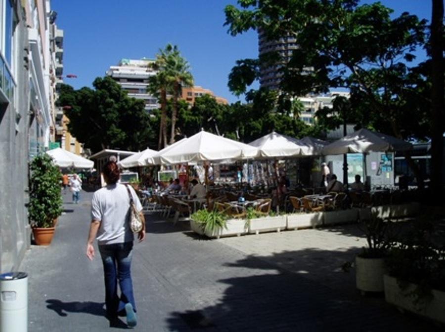 2 terraza de verano Parque Santa Catalina.jpg