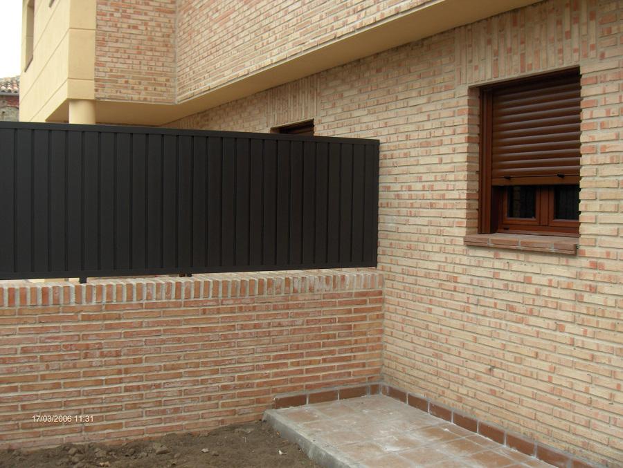 Foto detalle fachada ladrillo caravista r stico de - Ladrillo caravista precios ...