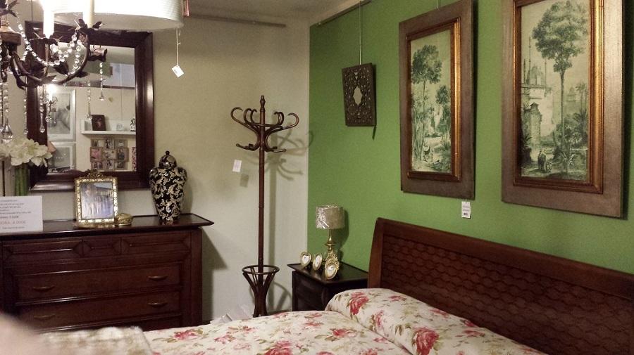 Dormitorio italiano en cerezo.