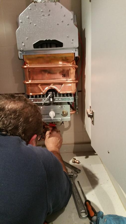 Foto instalaci n termo a gas natural neckar de - Termo gas natural ...