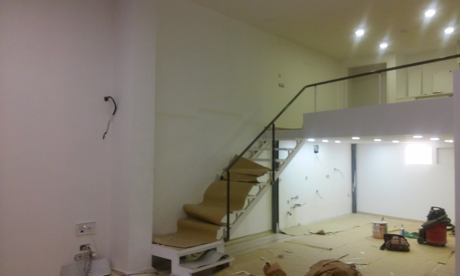 Foto escalera altillo de guix i pladur pol 958682 - Escaleras de altillo ...
