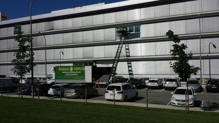 Foto mudanzas de oficinas de mudanzas pamplona 953537 for Mudanzas de oficinas