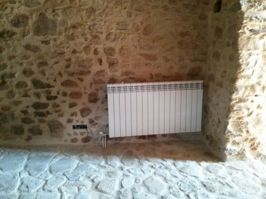 Foto instalaci n de calefacci n por radiadores de - Instalacion calefaccion radiadores ...