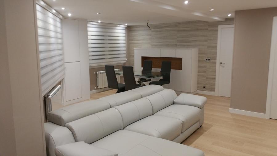 Salón reformado y decorado