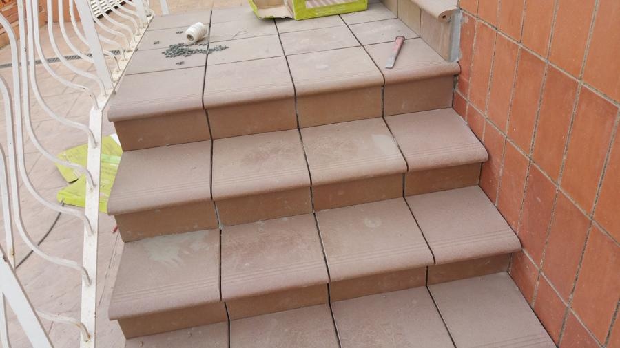 Foto escalera terminada de rachas de greco gres de - Gres para escaleras ...