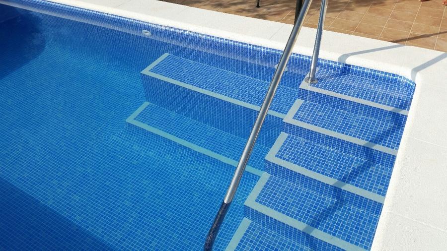 Acceso a piscina