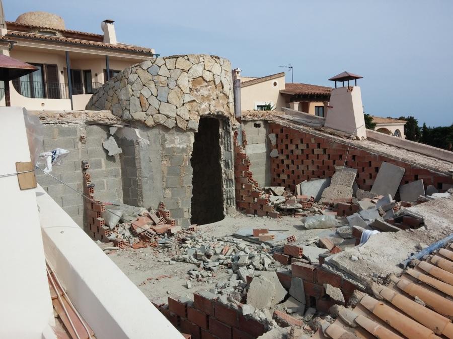 Romper un tejado para hacer una terraza en un chalet