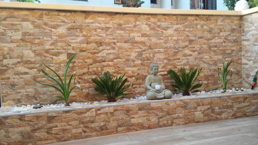 Foto Terraza Exterior con Jardinera de Alicatados E Interiorismo