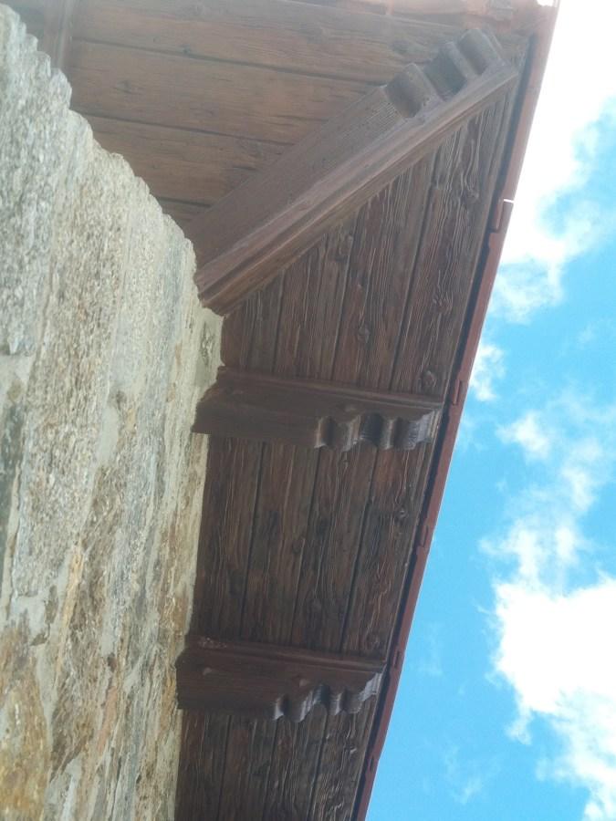 Cornisa imitacion madera