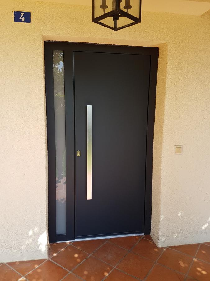 Puerta Aluminio hoja oculta