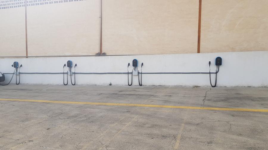 Instalacion cargadores de vehiculos, trabajo realizado en Pepsico.